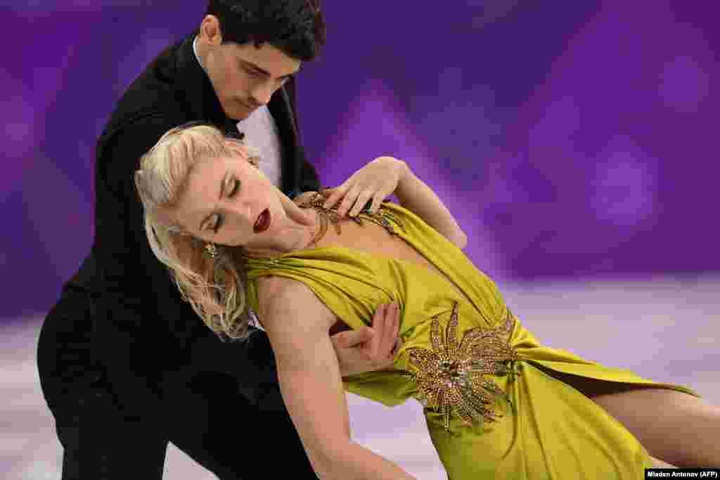 Фигурное катание: канадские спортсмены Пайпер Гиллес и Поль Пуарье соревнуются в танцах на льду