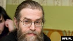 """Russia -- Yakov Krotov, priest, 13Mar2009, club """"apartment 44"""", """"Свобода в клубах"""""""