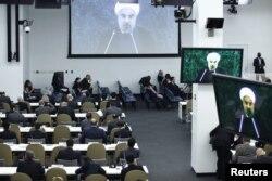 Президент Ирана Хасан Роухани выступает на заседании Генеральной Ассамблеи ООН. Нью-Йорк, 26 сентября 2013 года.