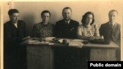 Юрка Віцьбіч, Ларыса Геніюш, Кастусь Езавітаў, Натальля Арсеньнева, Аляксей Анішчык-Чэмер. Менск, 1944 г.