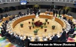 Masa negocierilor la Consiliul European, al liderilor statelor membre