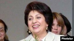 Բելլա Քոչարյան, արխիվ