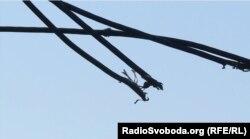 Пошкоджена лінія електропередач у селищі Бахмутка
