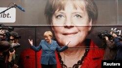 Merkel, uprkos svemu, ima značajnu prednost uoči izbora