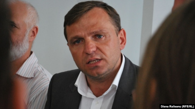 Is Andrei Nastase committing political suicide?