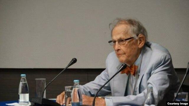 ریچارد فرای بنیانگذار مرکز مطالعات خاورمیانه دانشگاه هاروارد و نخستین صاحب کرسی ایرانشناسی در این دانشگاه بود.