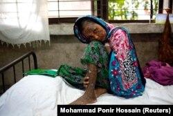 Uništeno 6.800 kuća Rohindža i spaljena 62 sela; Foto: Rohindža koja je preživela paljenje njene kuće