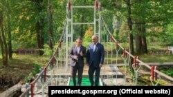Igor Dodon şi Vadim Krasnoselski la reşedinţa prezidenţială de la Condriţa