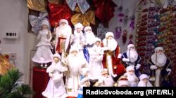В окупованому Донецьку знайдеться будь-який новорічний декор
