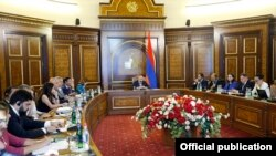 Armenia -- Prime Minister Nikol Pashinian chairs a video conference of Armenian officials and representatives of the Lebanese-based consulting firm ELARD, Yerevan, August 29, 2019.