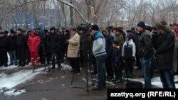 Жаңаөзен оқиғасының 100 күндігіне орай өткен қарсылық митингісі. Орал, 24 наурыз 2012 жыл.