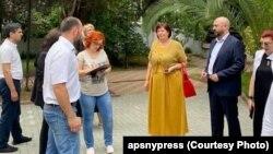Главный санитарный врач Людмила Скорик вместе с представителями Министерства туризма сопровождает российских экспертов