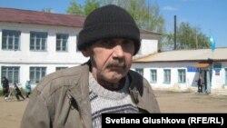 Бектау ауылының тұрғыны Сергей Соловьяненко. Ақмола облысы, мамыр 2012 жыл.