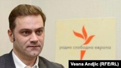 """""""Sveobuhvatno obavezujući sporazum koji bi trebalo da reguliše odnose Srbije i Kosova do tančina: Borislav Stefanović"""