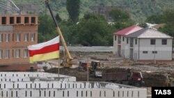 Допущенные проектировщиками ошибки приходится исправлять строителям и властям республики