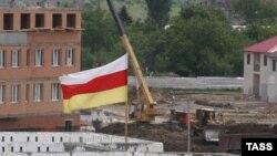 Мечтать о производственном буме в Южной Осетии не приходится. Даже уроженцы республики не спешат открывать производства на родине, потому что бизнес в республике находится под колоссальным давлением чиновников