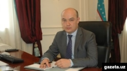 39-летний Равшан Усманов возглавлял посольство Узбекистана во Франции с 2012 года.
