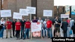 Пикет против установки памятника Солженицыну в Ростове