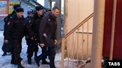 Задержание Алексея Навального в московском метро