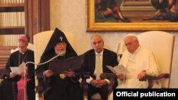 Ватикан - Встреча Католикоса всех армян Гарегина Второго с Папой Римским Франциском, 8 мая 2014 г.