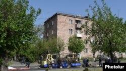 Взорванный в Ереване автобус, 26 апреля 2016 года.