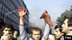نيروهای سياسی مختلفی با گرايش های متنوع و گوناگون در انقلاب شرکت داشتند.