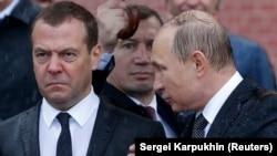 Дмитрий Медведев, судя по выступлению Путина, мало заботится о российских женщинах