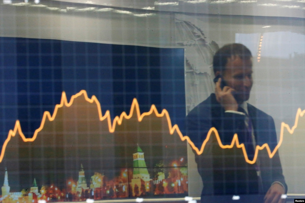 Russia Sells $4 Billion Of Eurobonds Despite Escalating ...