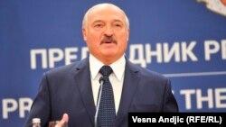 На думку президента Білорусі, якщо пацієнт «не опустив руки, він обов'язково видужає»