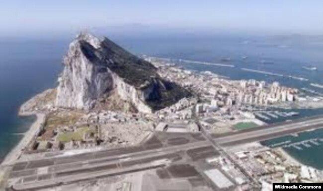 Гибралтар с высоты