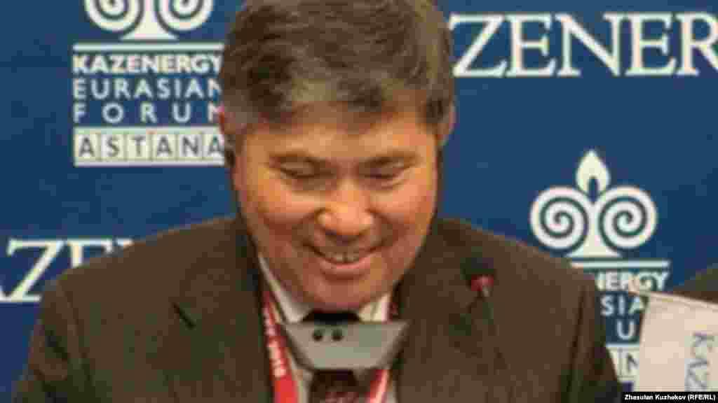 Министрнефти и газа Казахстана Узакбай Карабалин заявил 9 октября, что расположенное на Каспийском море месторождение Кашаганвышло на коммерческие объёмы добычи нефти.