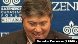 Узакбай Карабалин в бытность первым вице-министром энергетики Казахстана.