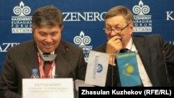 Узакбай Карабалин и Владимир Школьник, в бытность руководителями национальных компаний, на форуме Kazenergy. Астана, 5 октября 2010 года.