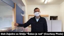 Gradonačelnik Šapca glasa na lokalnim izborima, 21. jun 2020. godine