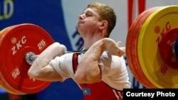 Ауыр атлетикадан жасөспірімдер арасында әлем чемпионы Альберт Линдер.