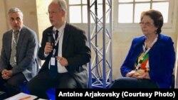 Учасники діалогу між Україною, Росією та ЄС Костянтин Сігов, Антуан Аржаковський, Галя Аккерман