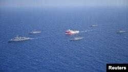 Թուրքական Oruc Reis նավը Միջերկրական ծովում, արխիվ