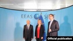 Isa Mustafa, Federica Mogherini dhe Aleksandar Vuçiq, në Bruksel, foto nga arkivi.