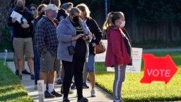 АҚШ президентін сайлауға дауыс беруге келген адамдар кезекте тұр. Брэндон, Флорида штаты, АҚШ, 3 қараша 2020 жыл.