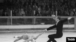 В таком стиле Людмила Белоусова и Олег Протопопов становились олимпийскими чемпионами.