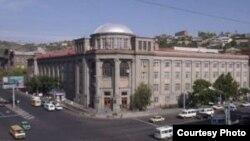 Երևանի պետական բժշկական համալսարանի շենքը