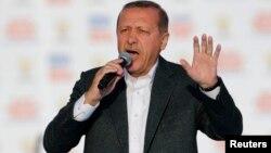 Թուրքիայի վարչապետ Ռեջեփ Էրդողանը ելույթի ժամանակ, արխիվ
