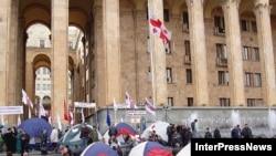 У грузинских властей хватает внутренних проблем, но поблажки автономиям не выйдет