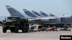 Российская военно-воздушная база в Хмейми (Сирия, 18 июня 2016 года)