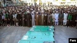 مراسم تشییع تعدادی از کشتهشدگان پاکستانی در جنگ داخلی سوریه در شهر قم.