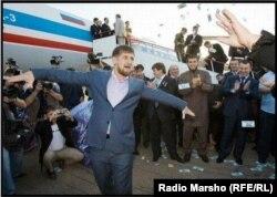 Шешенстан президенті Рамзан Қадыров деп жарияланған суреттің бірі.