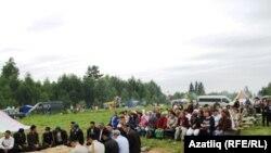 Фестивальдә катнашкан шәкертләр һәм тамашачылар