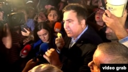 Saakashvili speaks after crossing the Polish-Ukraine border