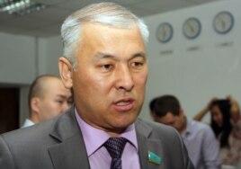 Мурат Абенов в бытность депутатом мажилиса парламента Казахстана. Алматы, 16 июня 2011 года.