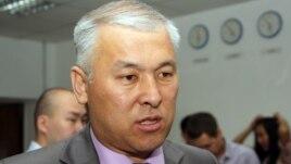 Мұрат Әбенов мәжіліс депутаты кезінде. Алматы, 16 маусым 2011 жыл.